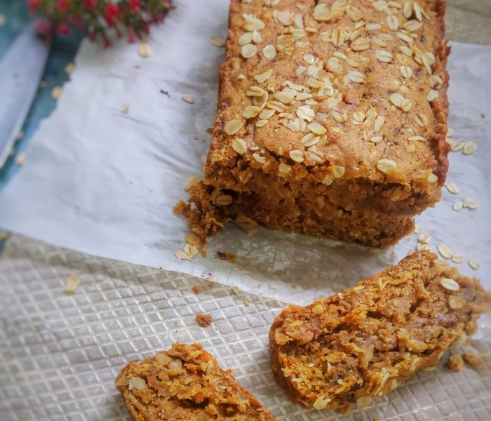 Healthy Eggless, Refined Sugar and Flour and Butter Free Banana – Oatmeal Loaf